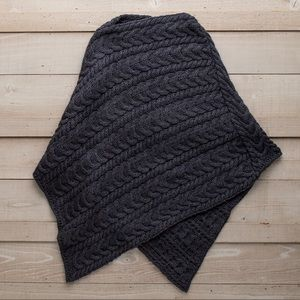 Guideboat Cable Knit Irish Merino Wool Poncho S/M